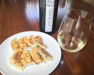 流行りのパクチーでワインに合う餃子を作っちゃおう!